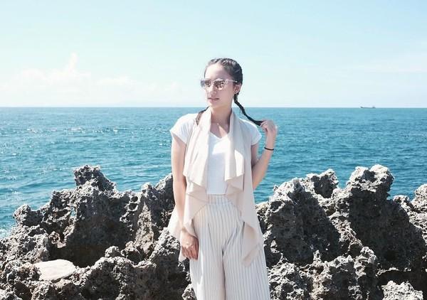 Tatjana selalu terlihat modis dan stylish dengan gaya fesyen yang cantik (Instagram/tatjanasaphira)