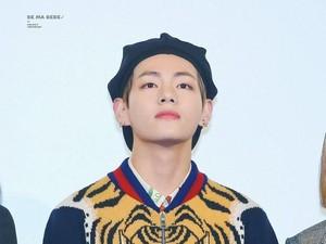 Gantengnya Kebangetan, V BTS Terpilih Jadi Best Fashion Face