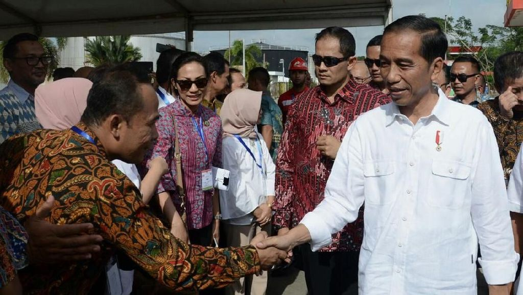 Capaian Besar 5 Tahun Jokowi: BBM Satu Harga hingga Freeport
