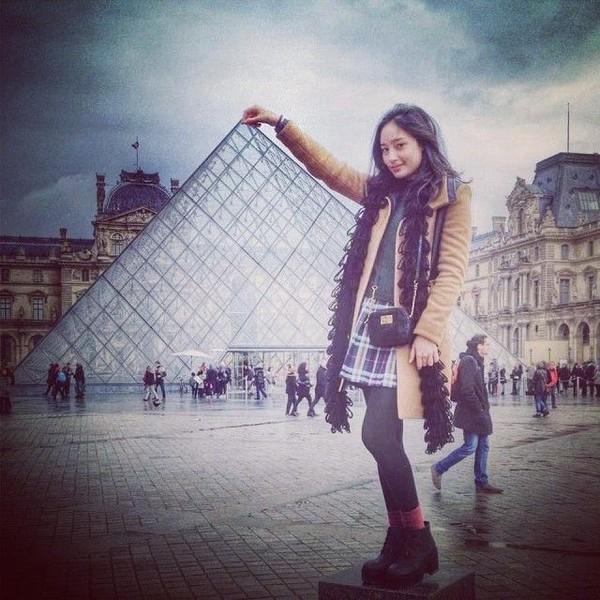 Salah satunya adalah Museum Louvre di Paris, Prancis ini (Instagram/tatjanasaphira)