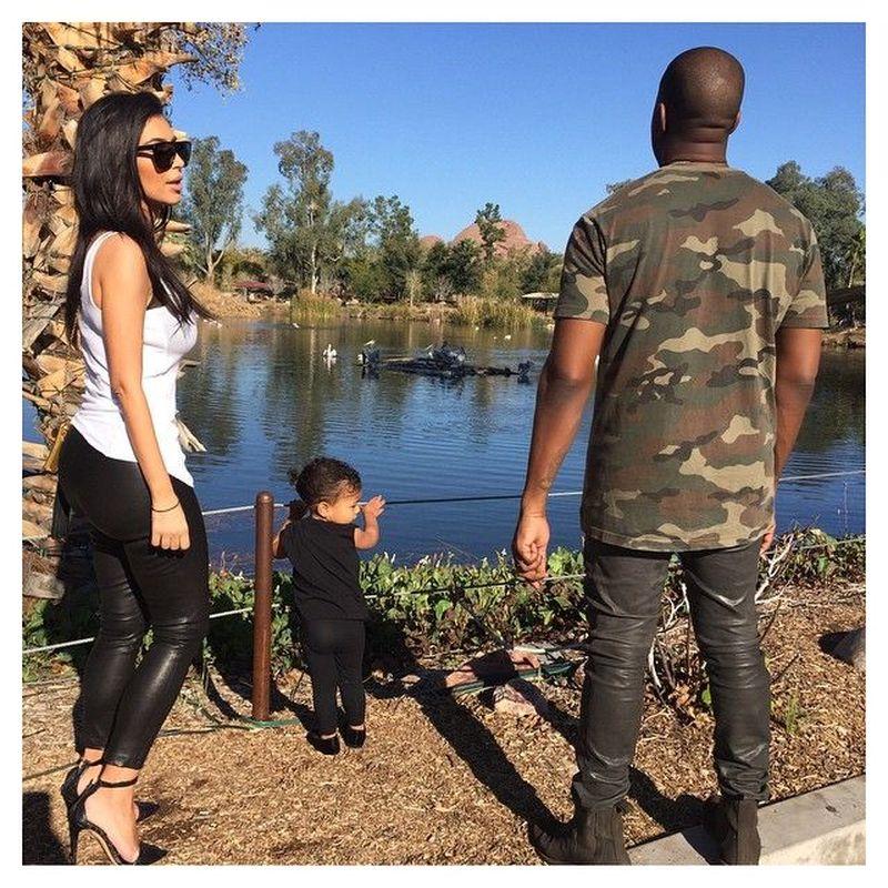 Kimberly Kardashian, atau dikenal sebagai Kim Kardashian merupakan seorang sosialita, artis, model dan pengusaha kelahiran Los Angeles, Amerika. (kimkardashian/Instagram)