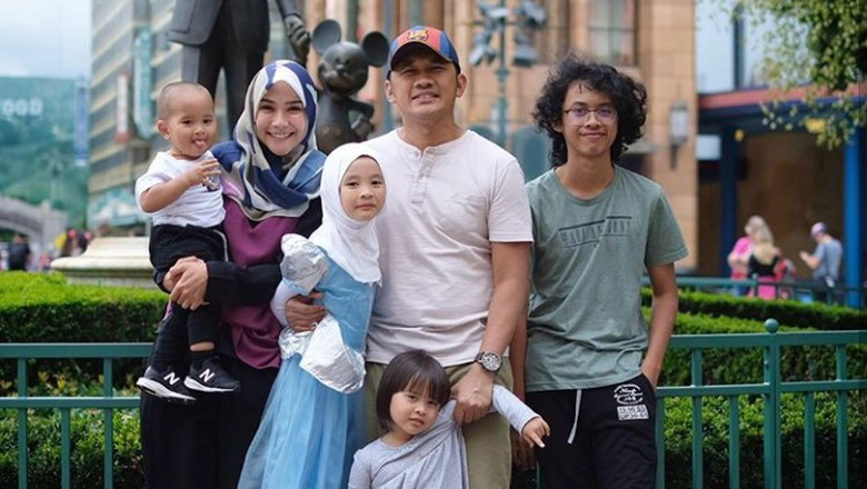 Keluarga Zaskia Mecca (Foto: Instagram/ Istimewa)