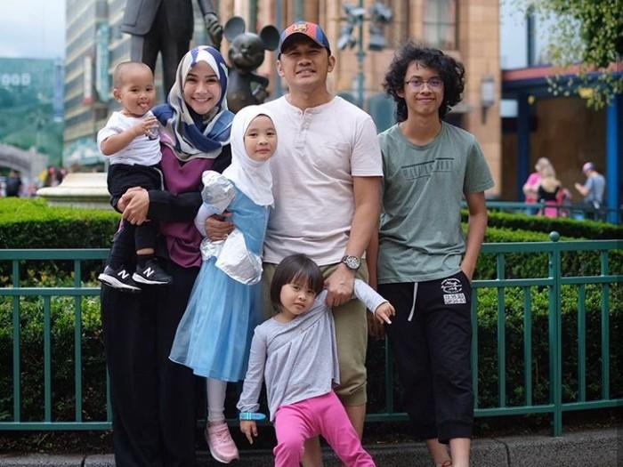 Potret Keseruan Zaskia Adya Mecca dan Anak-anaknya
