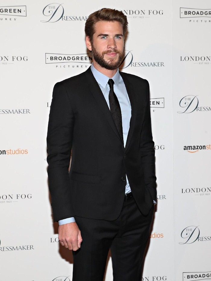 NEW YORK, NY - SEPTEMBER 16:  Actor Liam Hemsworth attends as London Fog presents a New York special screening of The Dressmaker on September 16, 2016 in New York City.  (Photo by Cindy Ord/Getty Images for London Fog)
