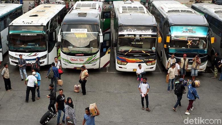 Pesan Tiket Bus AKAP Online Bisa Jauh-jauh Hari Foto: Rengga Sancaya