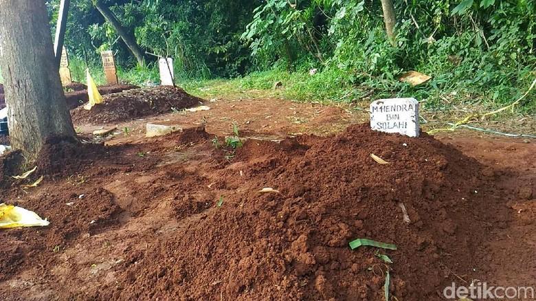 Misteri Hilangnya Tali Pocong di Makam Tangsel yang Terungkap