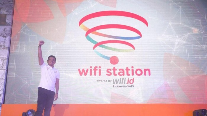 Direktur Enterprise & Busines Service Telkom Dian Rachmawan