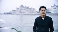 Foto: Fedi Nuril memerankan tokoh Fahri di film Ayat-Ayat Cinta (1 dan 2) dengan sangat baik. Sosok Fahri pun melekat erat pada diri Fedi Nuril. Fahri ternyata suka liburan lho, ini saat dia lagi ada di Budapest, Hongaria. (Instagram/Fedi Nuril)