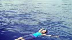 Libur telah tiba, hore! Meski libur, jangan lupa tetap olahraga ya. Biar tetap cantik dan bugar seperti Tasya Kamila.