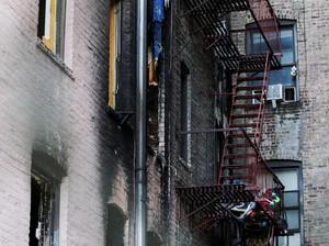 Kebakaran di Apartemen New York Dipicu Balita yang Main Kompor
