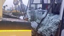 Bus Damri Kecelakaan di KM 9 Tol Joglo Arah Bandara Soetta