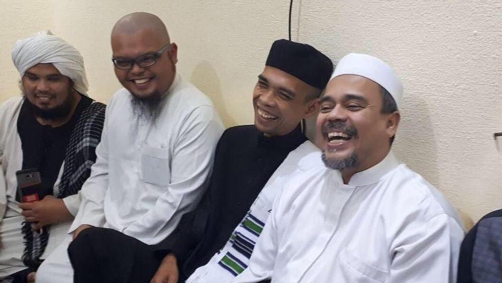 Ustaz Abdul Somad Bertemu Habib Rizieq di Mekkah