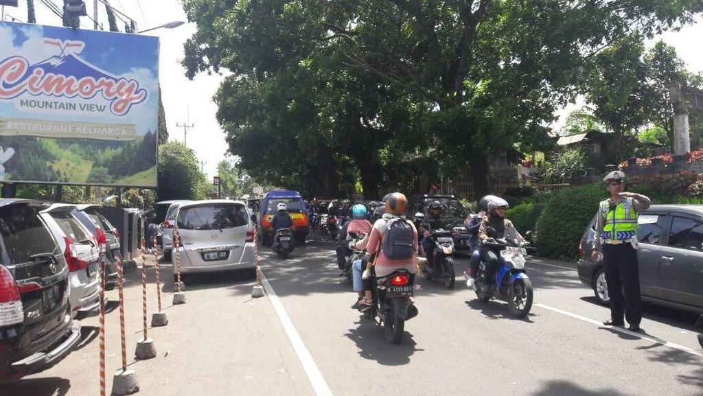 Arus Balik Libur Tahun Baru, Puncak Arah Jakarta Macet