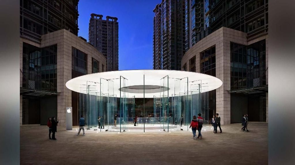 Apple Kunming di Shuncheng Shopping Center, China. Desainnya disebut sebagai versi mini Steve Jobs Theater. Foto: Internet