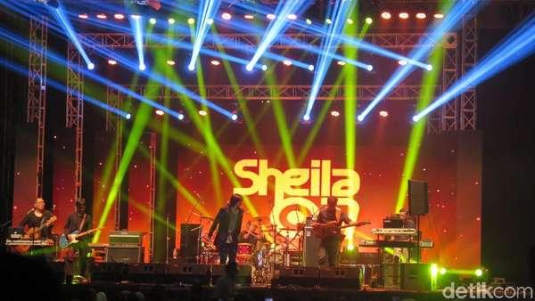 Meriahnya Pergantian Tahun Bersama Sheila On 7 dan All 4 ONE