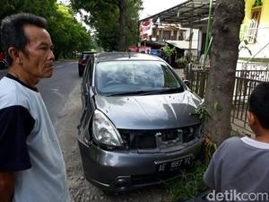 Awal Pergantian Tahun, Dua Mobil Terlibat Kecelakaan di Ponorogo