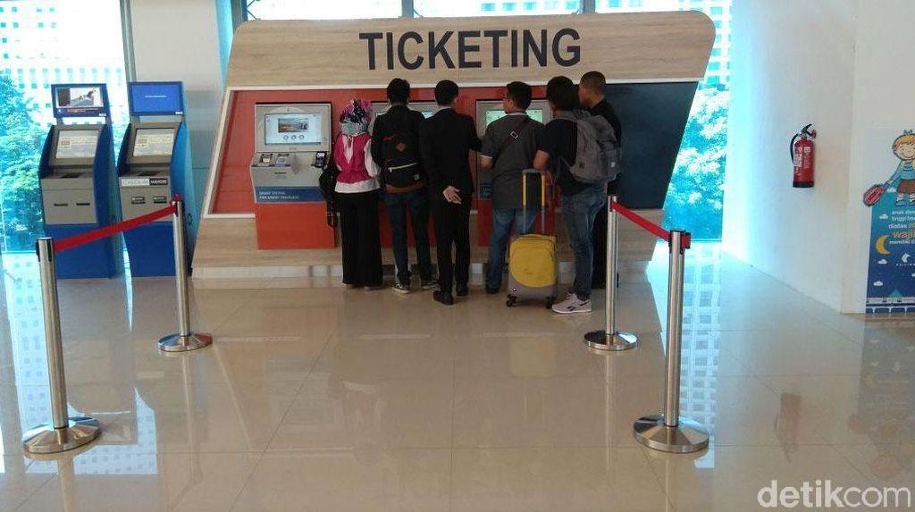 Pakai Kartu Langganan Kereta Bandara, Bayarnya Lebih Murah Lho