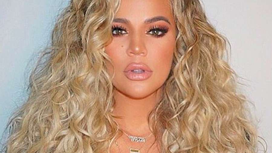Penampilan Khloe Kardashian Pasca Ungkap Kehamilan