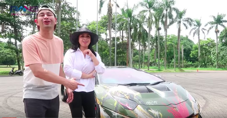 Mau Ngedrift, Aki Lamborghini Raffi Ahmad Malah Soak. Foto: Screenshot Youtube Rans Entertainment