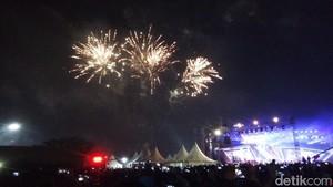 Dipimpin Sandiaga, Pesta Kembang Api Tandai Pergantian Tahun di Ancol