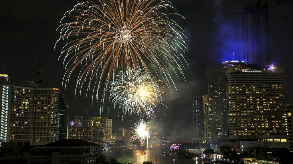 Budaya Unik Menyambut Tahun Baru 2019 di Seluruh Dunia
