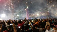 Rayakan Tahun Baru, Sirine Mobil Pemadam Dibunyikan di Thamrin