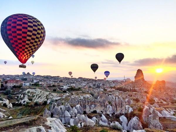 Cantiknya Cappadocia bisa dinikmati dengan balon udara. (detikcom)