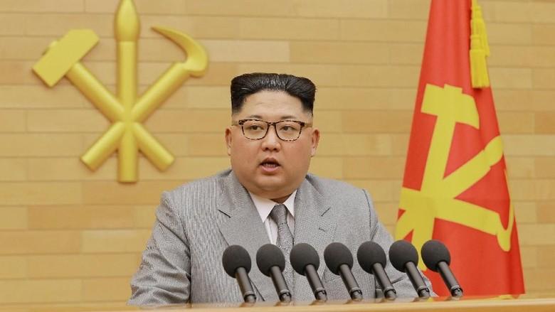 Makna Setelan Jas Abu-abu Muda Kim Jong-Un di Pidato Tahun Baru
