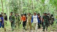 Cari Warga Hilang di Hutan, Rombongan Bupati Kesurupan
