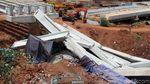 Foto-foto Beton Girder di Simpang Susun Tol Antasari yang Ambruk