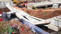 Begini penampakan robohnya beton girder yang roboh pagi tadi, Selasa (2/1/2018).