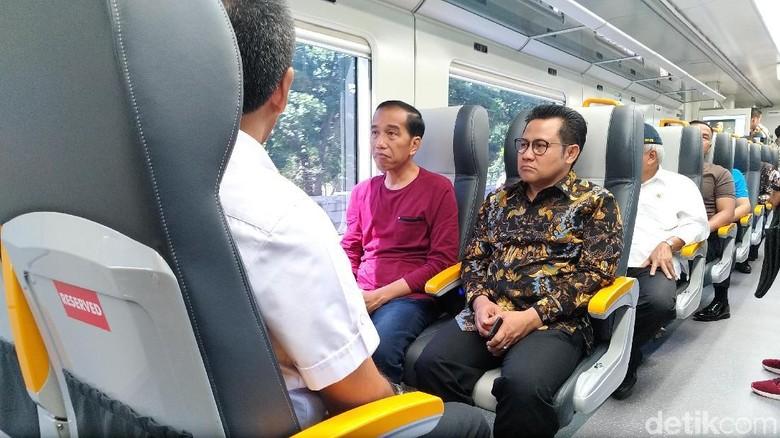 Ditemani Cak Imin di Kereta Bandara, Jokowi: Lama Tak Ketemu