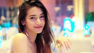 Gadis Misterius Primadona Instagram Ikut Kontes Kecantikan