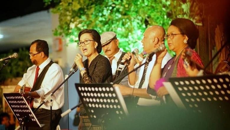 Sri Mulyani Ungkap Alasan Menteri Jokowi Bikin Elek Yo Band