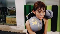 Artis cantik Kirana terbiasa dengan gaya hidup aktif. Ia masih rajin berolahraga meski kini sudah menjadi ibu dari satu orang anak.