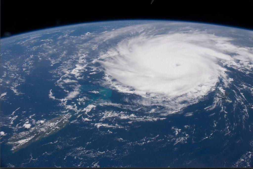 Potret dari luar angkasa ketika bencana badai Jose yang menghantam Kepulauan Karibia pada tanggal 6 september 2017. (Foto: NASA)