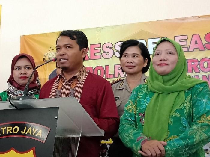 Dari kiri ke kanan Komisioner KPAI: Ai Maryati, Susanto, dan Susianah. (Vino/detikcom)