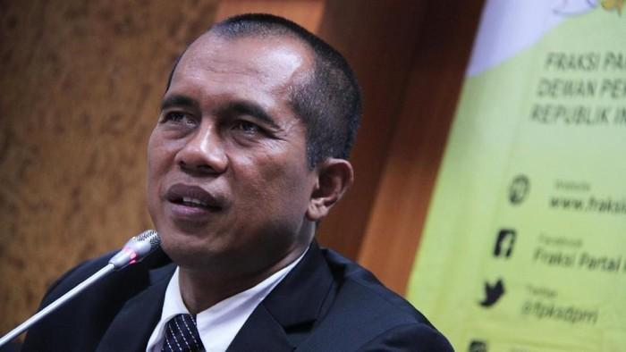 Ketua Komisi I DPR Abdul Kharis Almasyhari