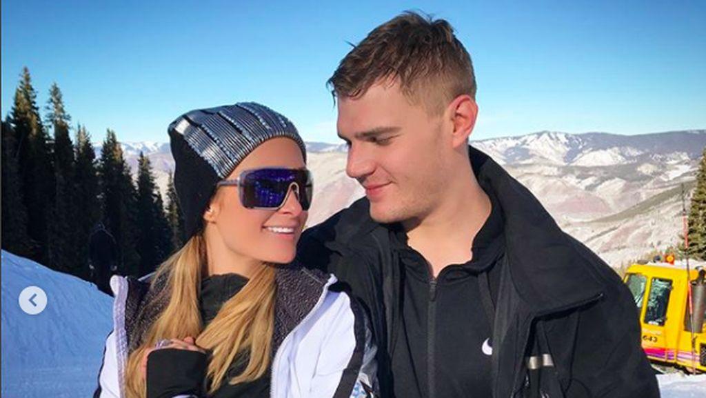 Batal Tunangan, Mantan Minta Paris Hilton Kembalikan Cincin Rp 29 M