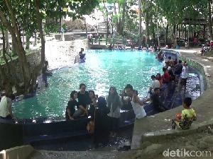 Foto: Kolam Air Panas yang Berkhasiat di Soppeng