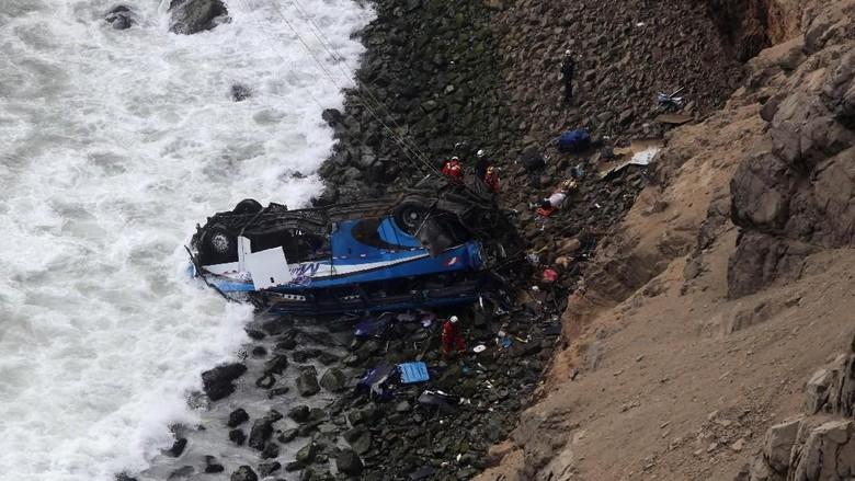 Bus Jatuh dari Tebing di Peru, 36 Orang Tewas