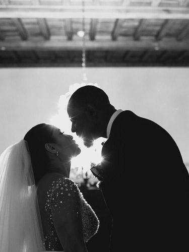 Mengintip Pernikahan Romantis Brian McKnight di Malam Tahun Baru
