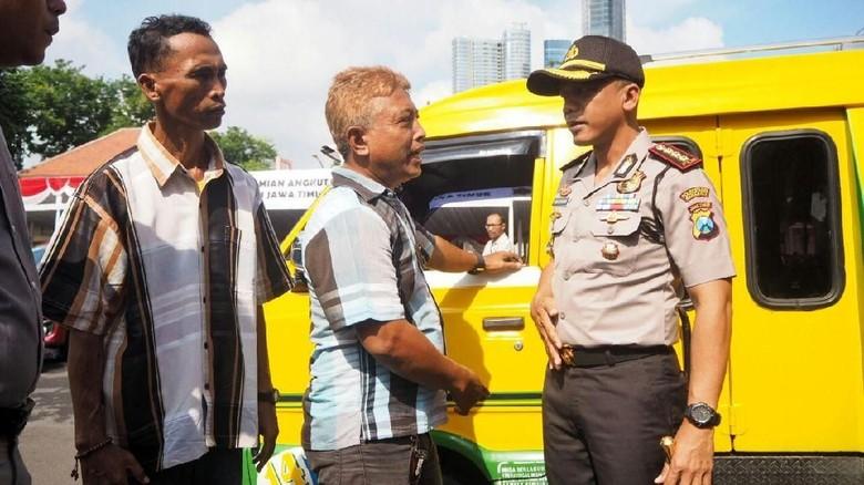 Taksi Online yang Langgar Aturan di Surabaya akan Ditindak