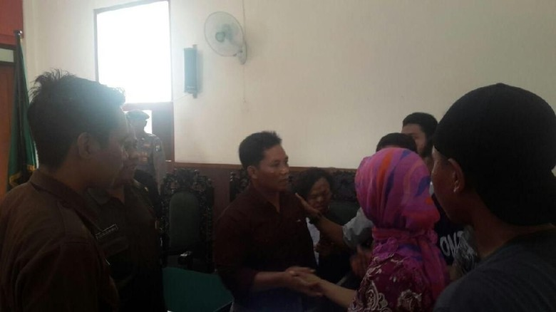 Terdakwa Demo Palu Arit di Banyuwangi Dituntut 7 Tahun Penjara