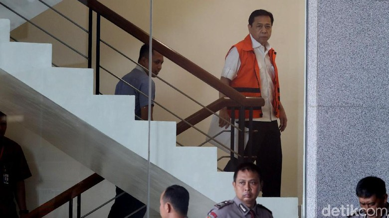 Kelar Diperiksa KPK, Setya Novanto Hanya Diam