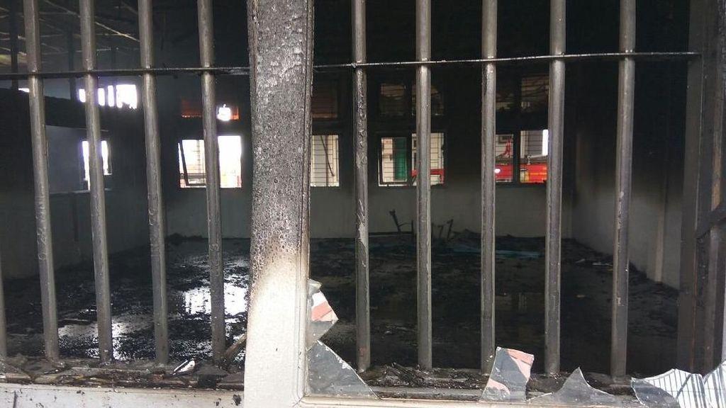 Rusuh di LP Banda Aceh, Bangunan Hangus Terbakar dan Kaca Pecah