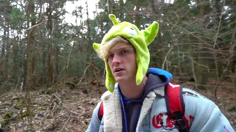 Foto: Logan Paul adalah seorang Youtuber kondang dari AS. Dia kerap nge-vlog, termasuk saat pergi ke Hutan Aokigahara di Tokyo, Jepang. Namun vlog ini dikecam, karena Logan menemukan mayat korban bunuh diri dan merekamnya dalam vlog itu. (Youtube)