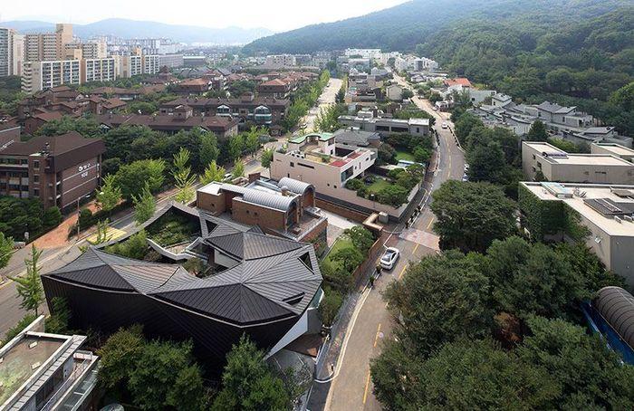 Rumah yang disebut Ga On Jai ini dibangun di distrik Gangnam, Seoul, Korea Selatan. Istimewa/Broadsheet.