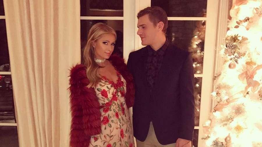 Paris Hilton Posting Foto Seksi, Bikin Panas Mantan?