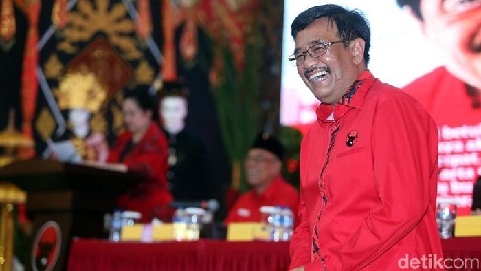 PDIP mengumumkan cagub/cawagub 4 provinsi untuk Pilkada Serentak 2018. Pengumuman ini dipimpin oleh Ketum PDIP Megawati Soekarnoputri.